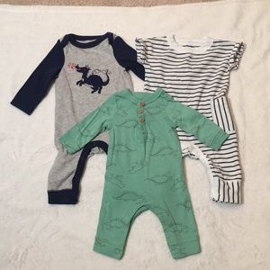 3 newborn outfits